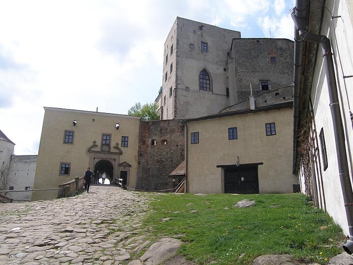 Замок Бухлов (Buchlov) 93560