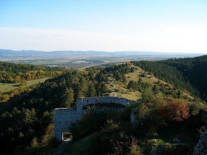 Чахтицкий замок (Cachtice castle) -замок Кровавой Графини. 60639
