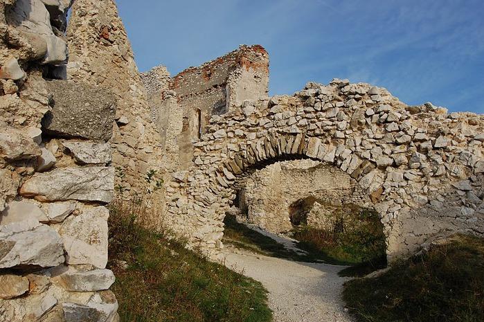 Чахтицкий замок (Cachtice castle) -замок Кровавой Графини. 71462