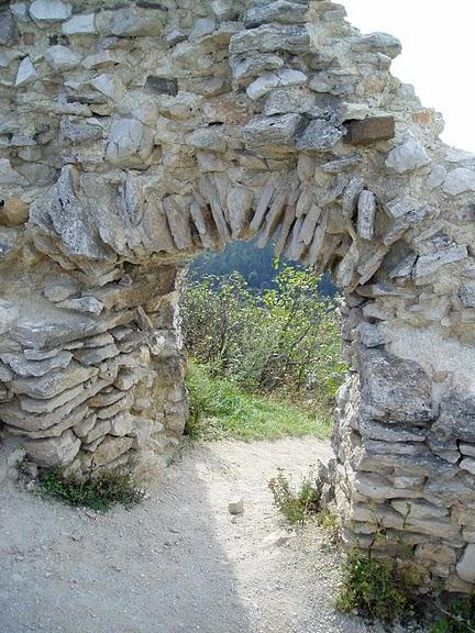 Чахтицкий замок (Cachtice castle) -замок Кровавой Графини. 41253