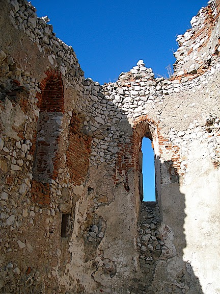 Чахтицкий замок (Cachtice castle) -замок Кровавой Графини. 31355