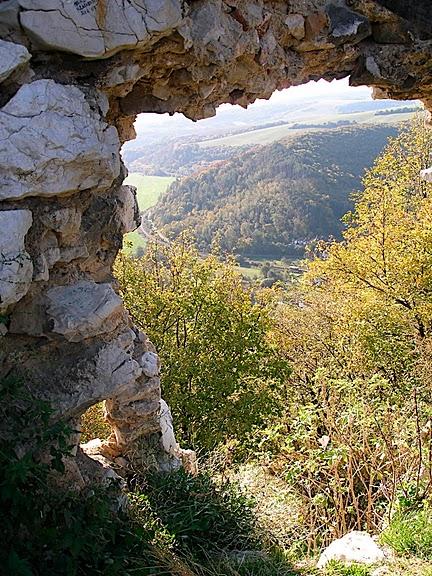 Чахтицкий замок (Cachtice castle) -замок Кровавой Графини. 11288