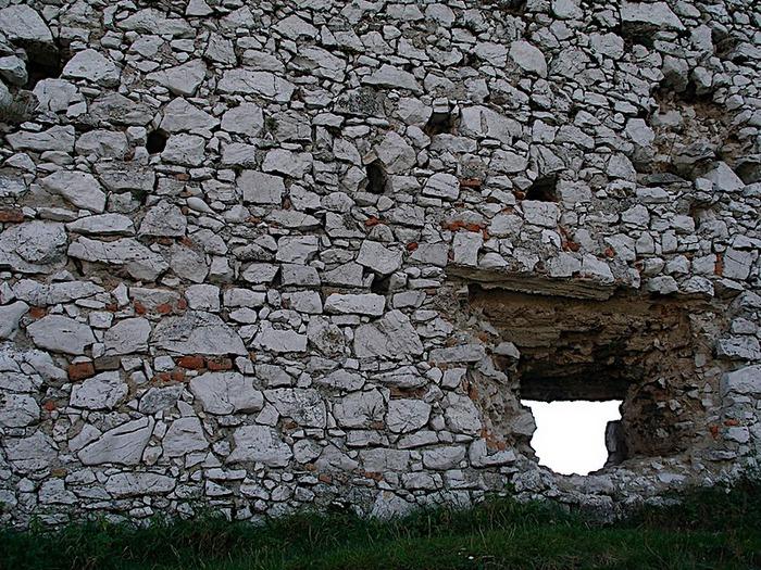Чахтицкий замок (Cachtice castle) -замок Кровавой Графини. 72572