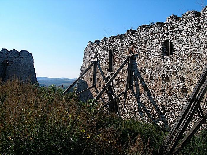 Чахтицкий замок (Cachtice castle) -замок Кровавой Графини. 40643