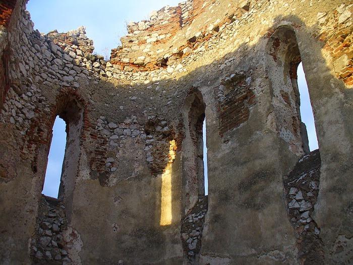 Чахтицкий замок (Cachtice castle) -замок Кровавой Графини. 43633