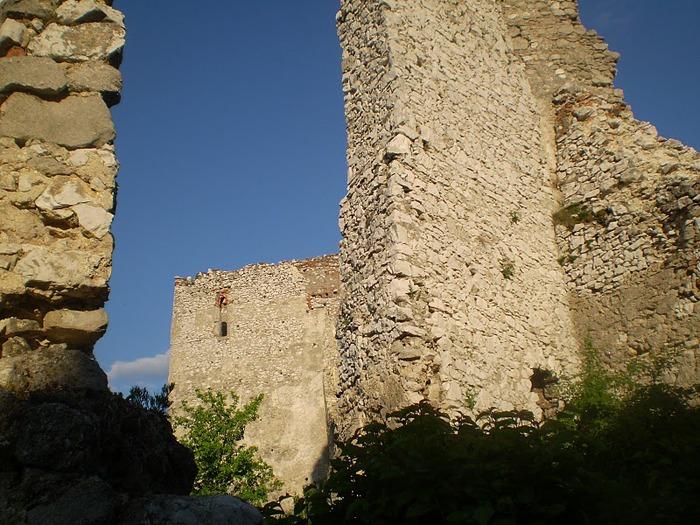 Чахтицкий замок (Cachtice castle) -замок Кровавой Графини. 25701