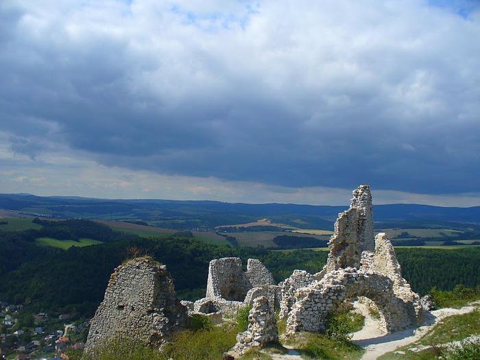 Чахтицкий замок (Cachtice castle) -замок Кровавой Графини. 44171