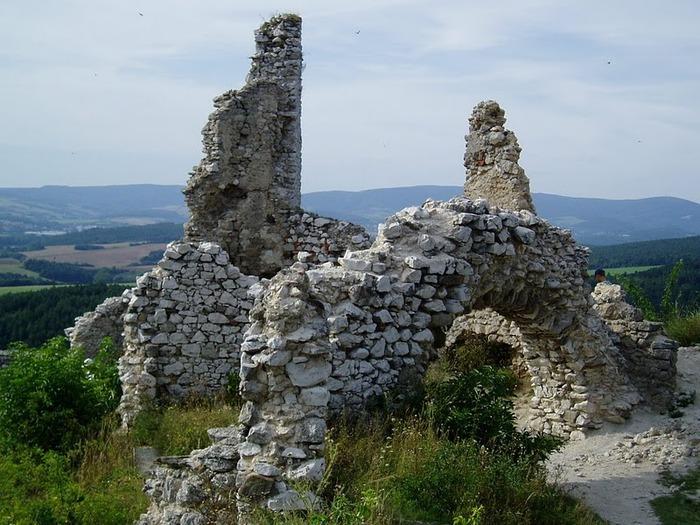 Чахтицкий замок (Cachtice castle) -замок Кровавой Графини. 65394
