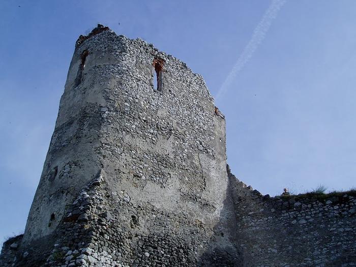 Чахтицкий замок (Cachtice castle) -замок Кровавой Графини. 99665