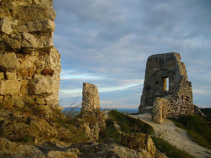 Чахтицкий замок (Cachtice castle) -замок Кровавой Графини. 42698