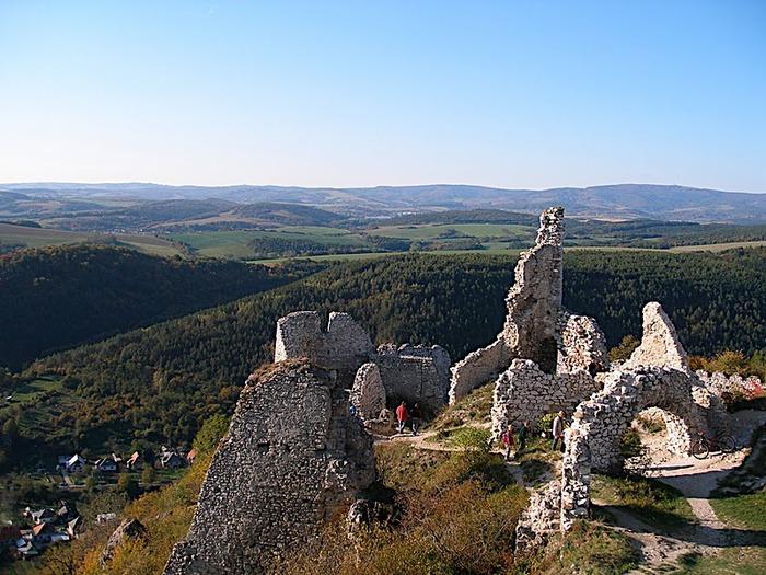 Чахтицкий замок (Cachtice castle) -замок Кровавой Графини. 98267