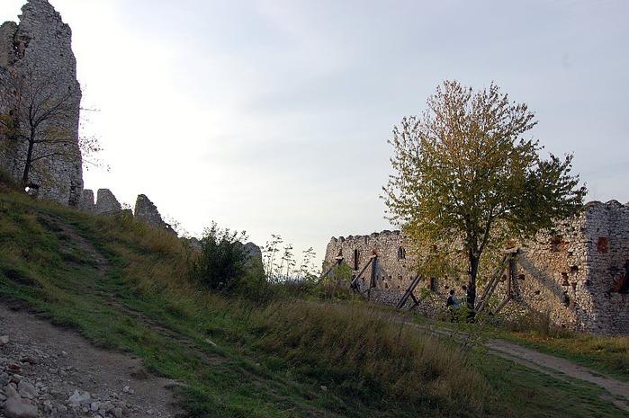 Чахтицкий замок (Cachtice castle) -замок Кровавой Графини. 57156
