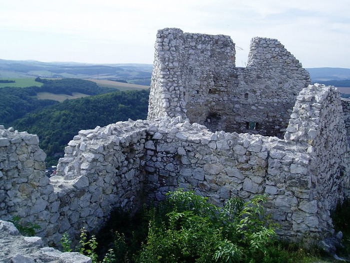 Чахтицкий замок (Cachtice castle) -замок Кровавой Графини. 28274