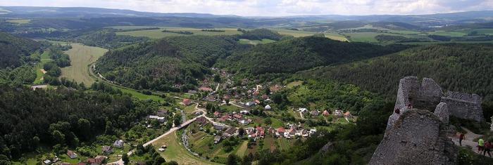 Чахтицкий замок (Cachtice castle) -замок Кровавой Графини. 95523