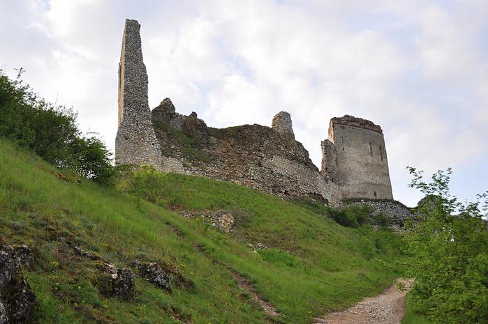 Чахтицкий замок (Cachtice castle) -замок Кровавой Графини. 78833