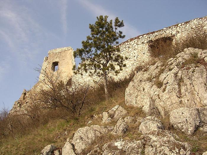 Чахтицкий замок (Cachtice castle) -замок Кровавой Графини. 65665