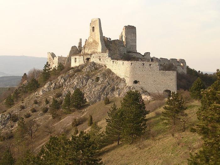 Чахтицкий замок (Cachtice castle) -замок Кровавой Графини. 75531