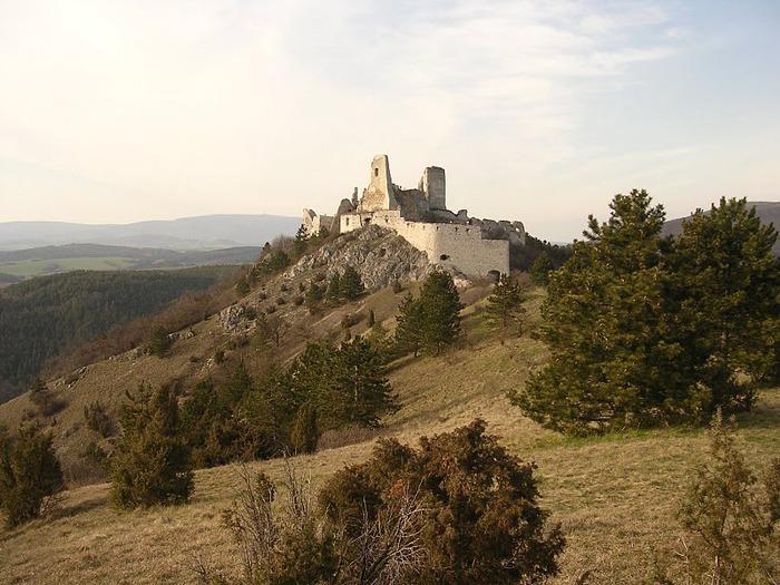 Чахтицкий замок (Cachtice castle) -замок Кровавой Графини. 32091