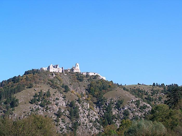 Чахтицкий замок (Cachtice castle) -замок Кровавой Графини. 48939