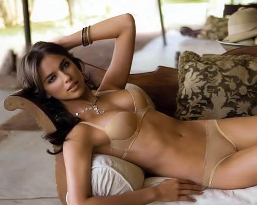 Красивая девушка без нижнего белья фото 24-46