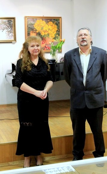 """Е.Воронова и директор выставочного зала """"Ходынка"""""""