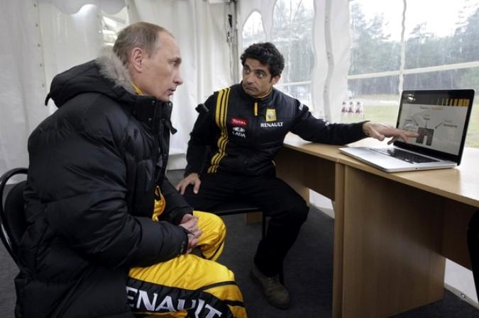 Путин разогнался на болиде