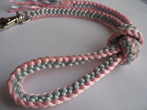 Плетение шнуров и узлов.