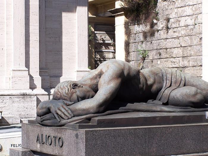 10 интереснейших кладбищ Европы 36087