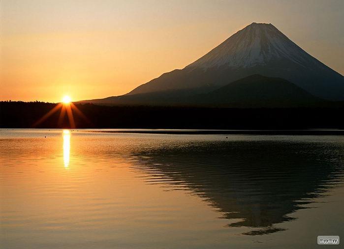 Величественный символ Японии - гора Фудзи 4