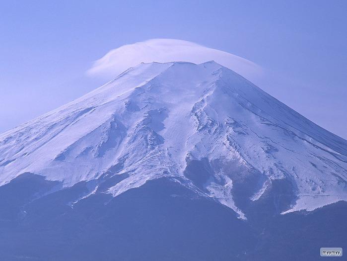 Величественный символ Японии - гора Фудзи 17