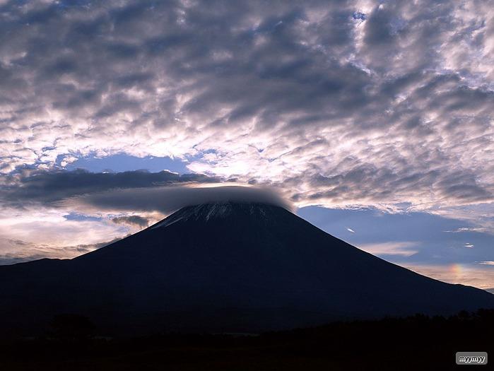Величественный символ Японии - гора Фудзи 37