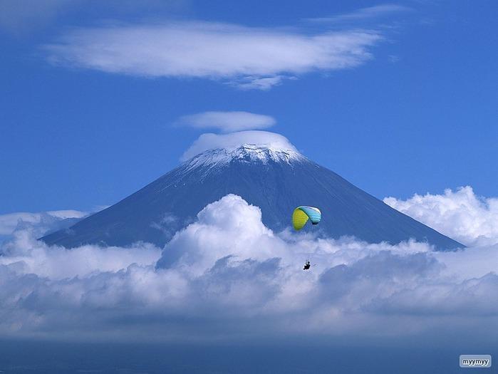 Величественный символ Японии - гора Фудзи 40