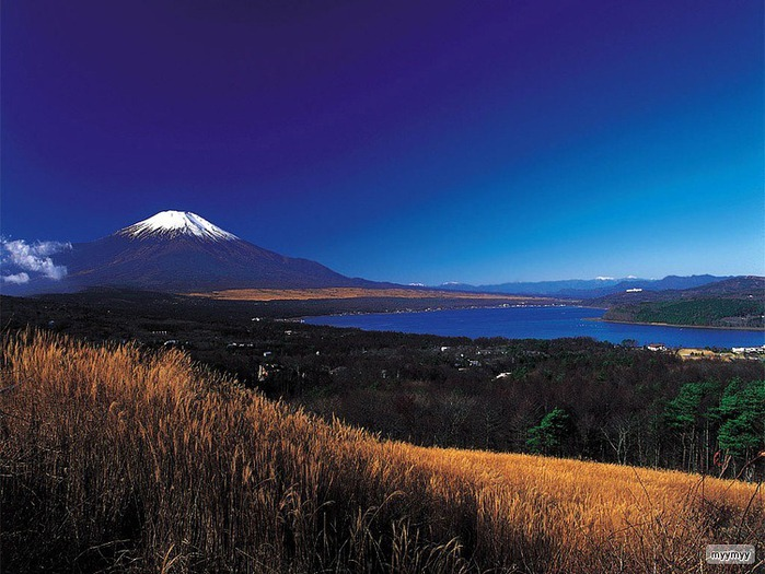 Величественный символ Японии - гора Фудзи 53