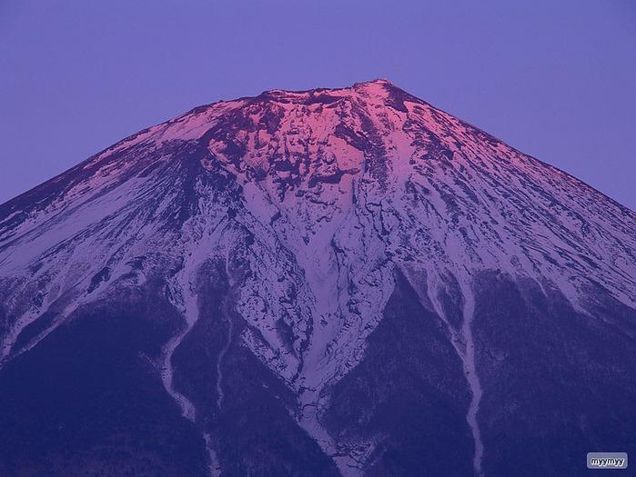 Величественный символ Японии - гора Фудзи 15