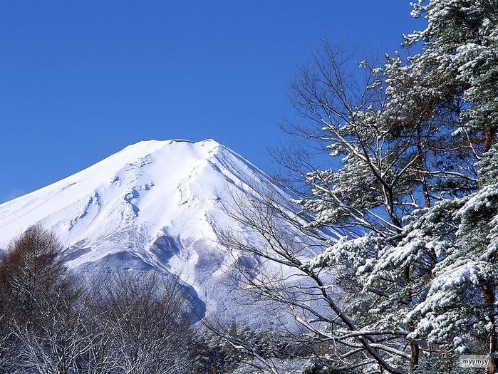 Величественный символ Японии - гора Фудзи 21