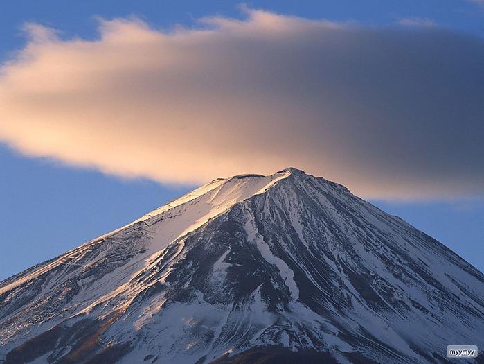 Величественный символ Японии - гора Фудзи 33