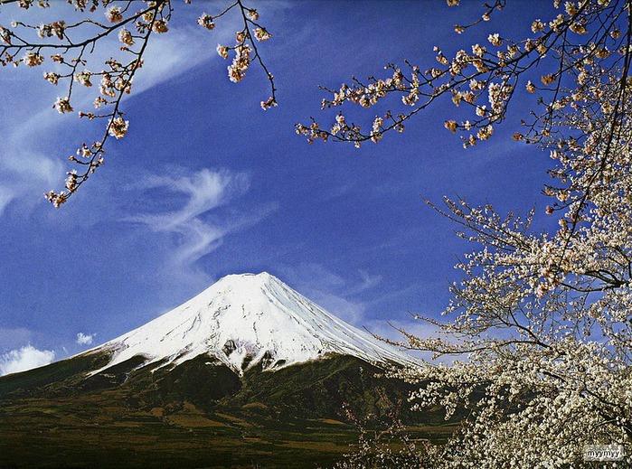 Величественный символ Японии - гора Фудзи 54