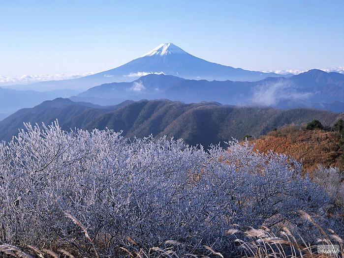 Величественный символ Японии - гора Фудзи 60