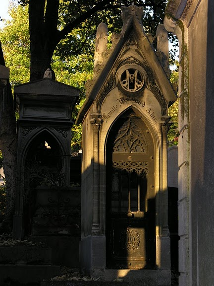 Кладбище Пер-Лашез 49700