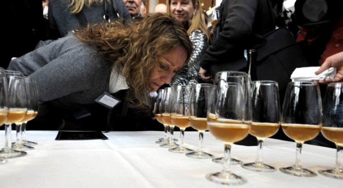 Дегустация старешейго в мире шампанского в Мариехамн 17 ноября 2010 года.