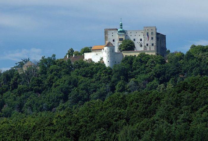 Замок Бухлов (Buchlov) 80216