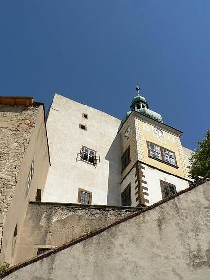 Замок Бухлов (Buchlov) 23138