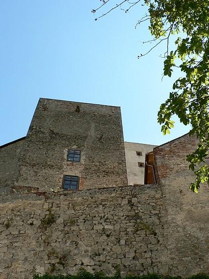 Замок Бухлов (Buchlov) 69465