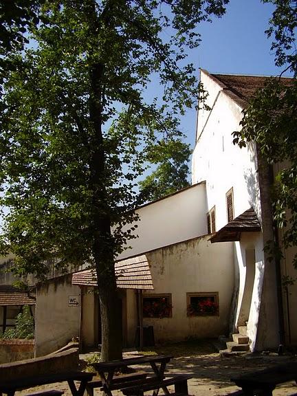 Замок Бухлов (Buchlov) 32130