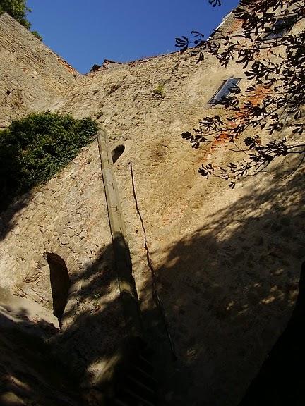 Замок Бухлов (Buchlov) 14350