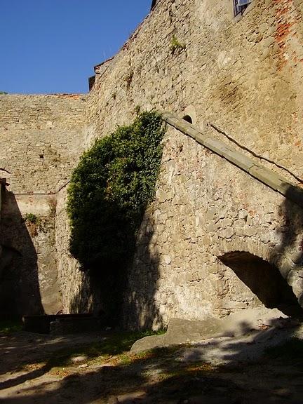 Замок Бухлов (Buchlov) 14528