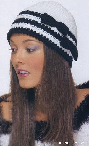 черно-белая вязаная шапочка