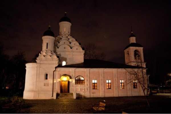 Храм Живоначальной Троицы в Москве на Карамышевской набережной, 15
