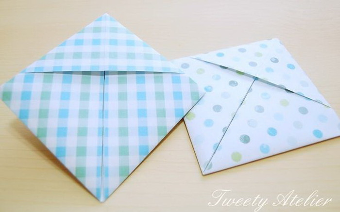 folding envelop for gift: tutorial
