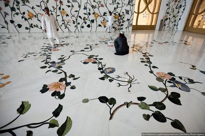 Мечеть шейха Зайда 36